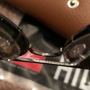 Ray-Ban Accessories - Rayban aviator Sunglasses